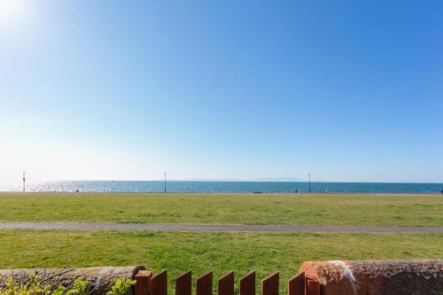 Coastal Retreat - Donnini Apartments