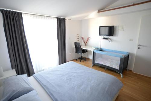 A bed or beds in a room at Apartment Heart of Poreč