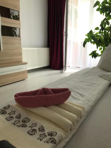 A bed or beds in a room at Town Centre Flat