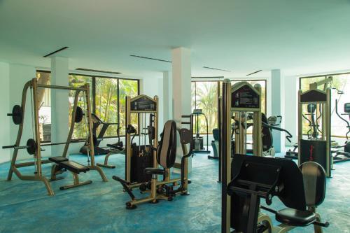 ฟิตเนสเซ็นเตอร์และ/หรือเครื่องออกกำลังกายที่ กัซซัน ขุนตาน กอล์ฟ แอนด์ รีสอร์ท Gassan Khuntan Golf & Resort