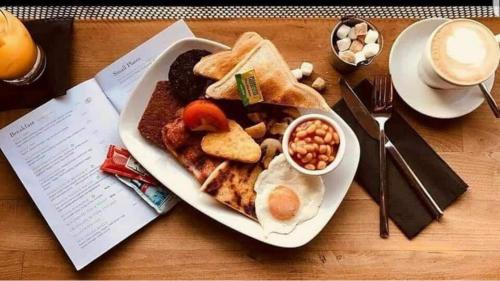 Breakfast options available to guests at Rooms at 1703