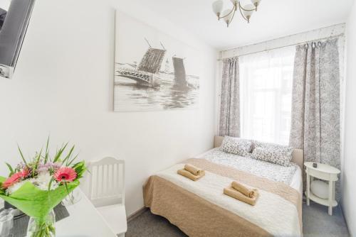 Кровать или кровати в номере Bridge City Rooms
