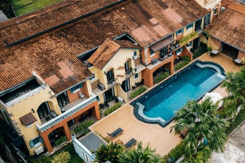 Вид на бассейн в Hotel Toscana Trat или окрестностях