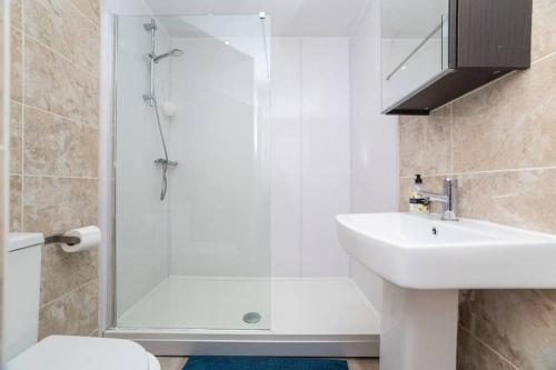 Dwell Living - City Centre, Two Bedroom, Sleeps 6