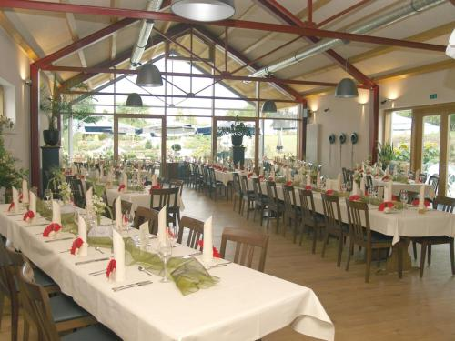 A restaurant or other place to eat at Gasthaus Herrig
