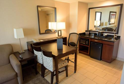 A kitchen or kitchenette at Embassy Suites Ontario - Airport
