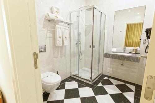 A bathroom at Lagoa Hotel