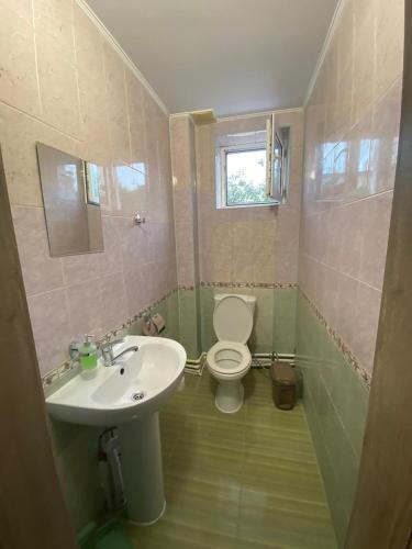 A bathroom at Лайм