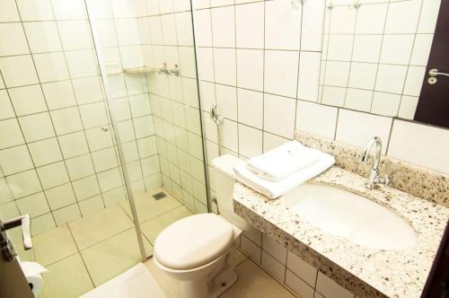Ванная комната в Mediterrâneo Park Hotel
