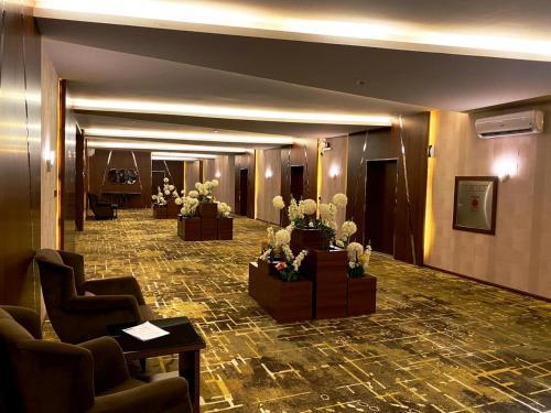 منطقة الاستقبال أو اللوبي في مشارف المدن للأجنحة الفندقية