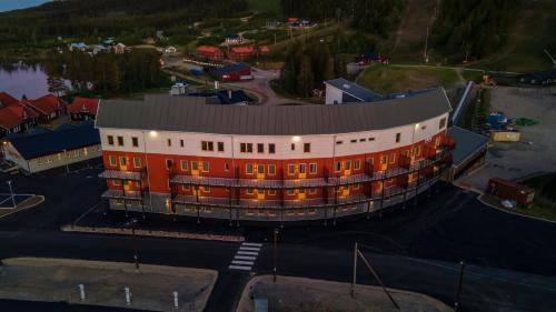 Ett flygfoto av Hotell Klövsjöfjäll