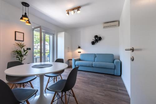 A seating area at Maslina Apartments