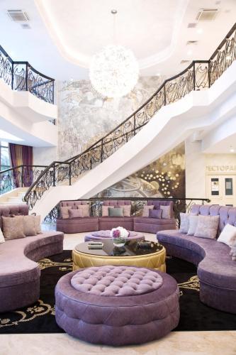 The lobby or reception area at Звездный Отель WELLNESS & SPA
