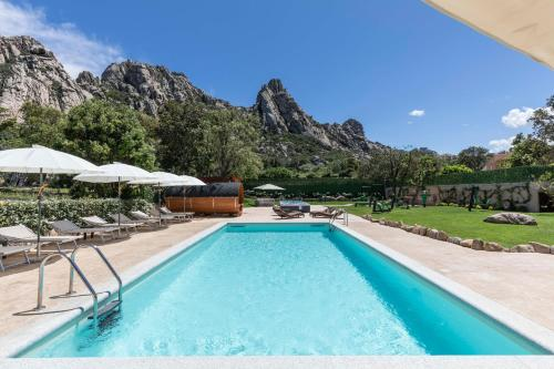 The swimming pool at or close to Antica Fonte Holiday Homes