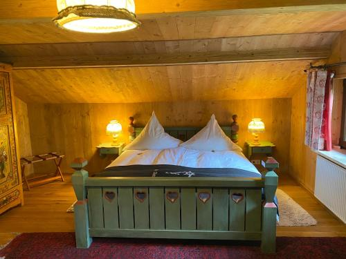A bed or beds in a room at St. Anton