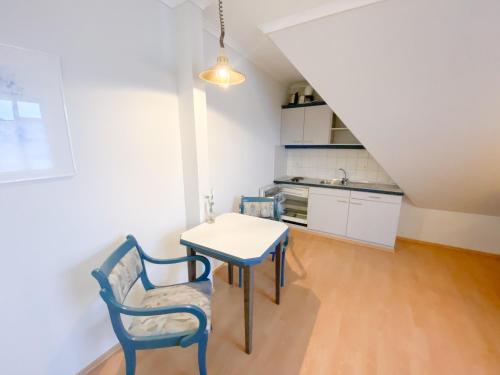 A kitchen or kitchenette at Hotel Wikingerhof