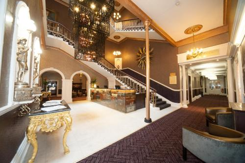 The lobby or reception area at The Queen at Chester Hotel, BW Premier Collection