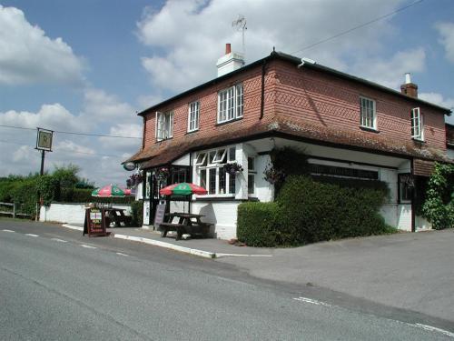 Mucky Duck Inn