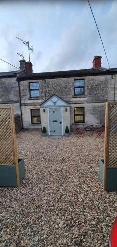 Quirky Cottage - Dogs Welcome - Free 24 hr Cancellation's