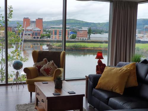 Luxury Apartment Marina Views at Titanic Quarter