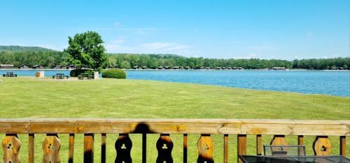 Fenna Lakeside Lodge - Pine Lake Resort