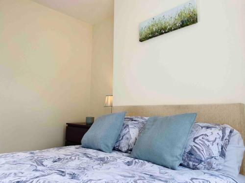 Silver Stag, Large, Spacious Property with ample off road parking, sleeps 7