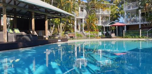 The swimming pool at or near South Pacific Resort & Spa Noosa