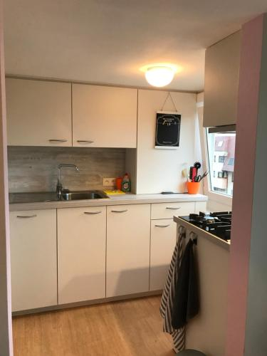 A kitchen or kitchenette at Casa Helena