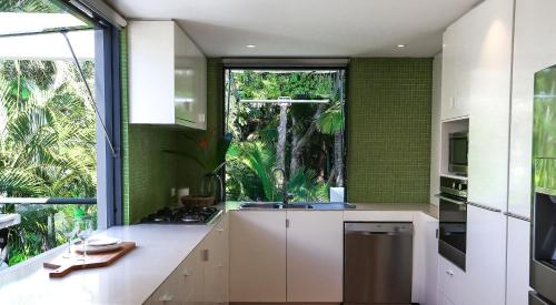 A kitchen or kitchenette at 26 Seaview Terrace