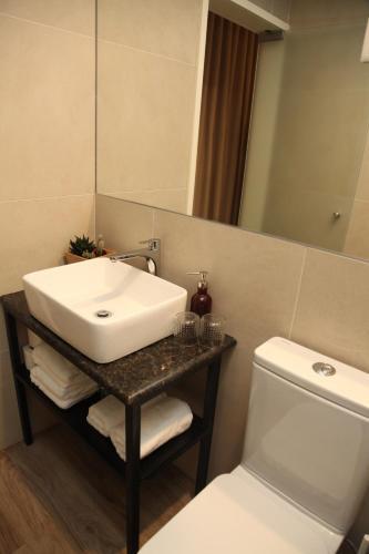 A bathroom at Novabila Guesthouse