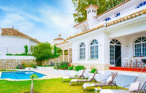 Piscina en o cerca de Villa Ana Maria