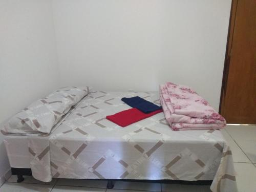 A bed or beds in a room at Hostel A Cozinha de Cora