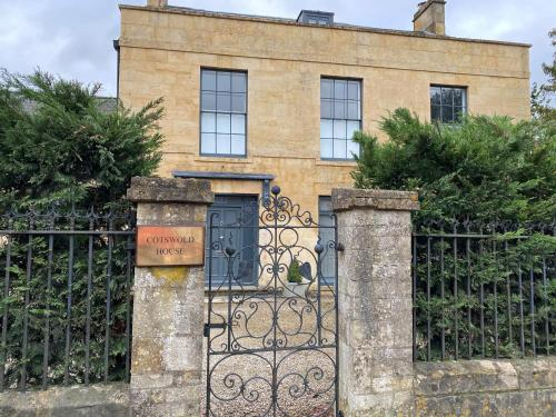 Cotswold House, MORETON IN MARSH