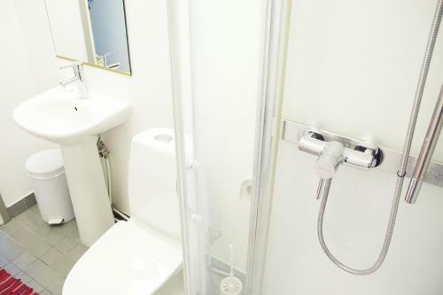 Kylpyhuone majoituspaikassa 16eur - Fat Margaret's