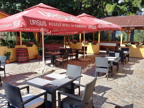 Un restaurant sau alt loc unde se poate mânca la Hotel Cirus