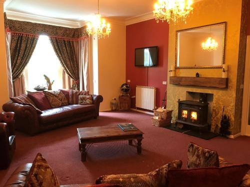 A seating area at Wighthill Hotel