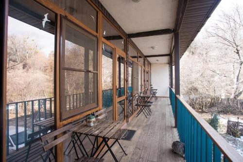 Балкон или терраса в Гостевой Дом Горная Лаванда