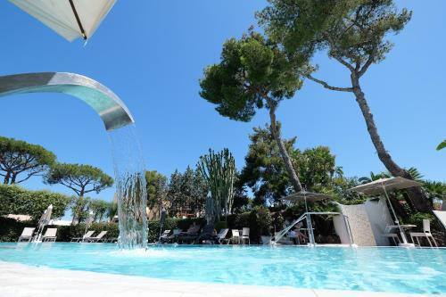 The swimming pool at or near Hotel Hermitage Terme & Spa