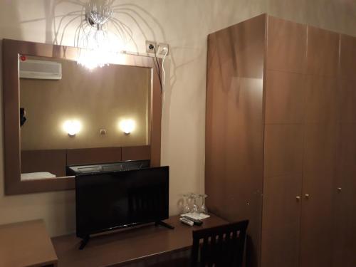 Μια τηλεόραση ή/και κέντρο ψυχαγωγίας στο Grand Olympic Hotel Loutraki