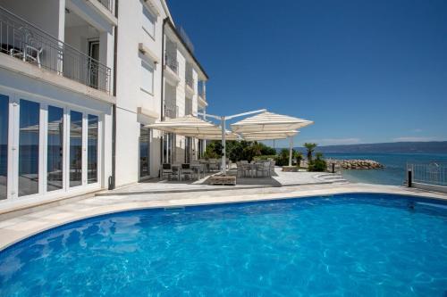 Swimmingpoolen hos eller tæt på Hotel Neva