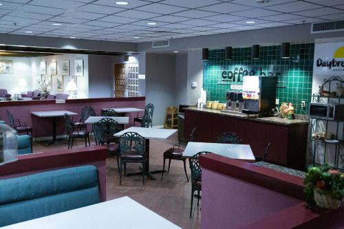 A restaurant or other place to eat at Days Inn by Wyndham Flagstaff Near Downtown/NAU on Route 66