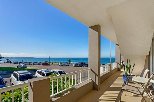 A balcony or terrace at Beachcomer, Unit 2 - The Entrance, NSW