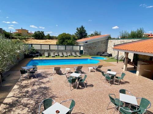A piscina em ou perto de Hotel O Encontro