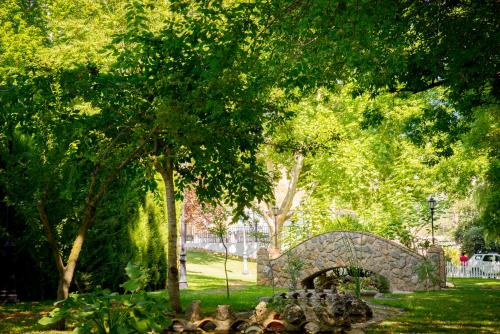 A garden outside Huerta de las Palomas