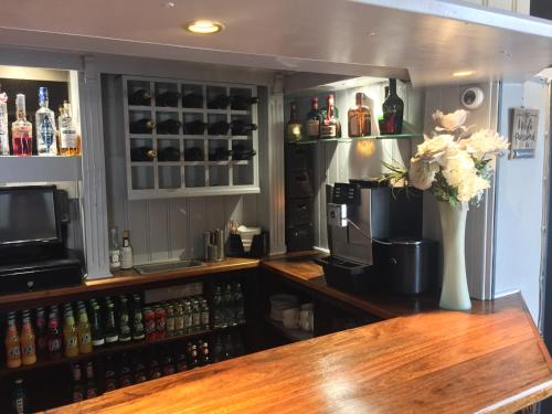 A kitchen or kitchenette at The Bell Inn