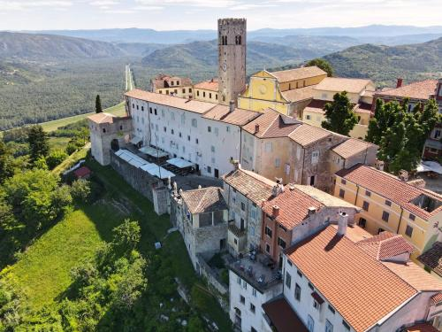 A bird's-eye view of Villa Borgo B&B