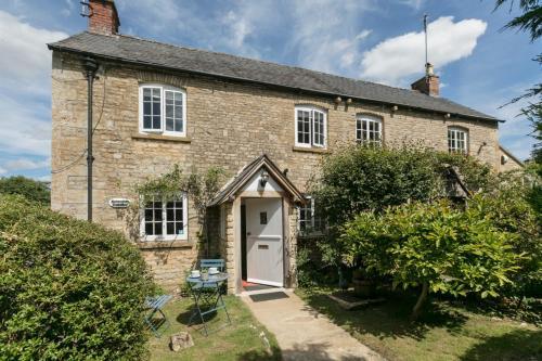 1 Horseshoe Cottages