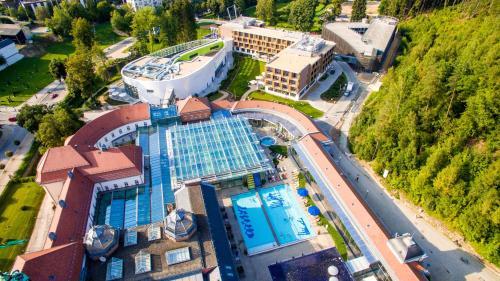 A bird's-eye view of Hotel König Albert