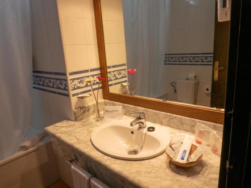 A bathroom at Hotel Flamero