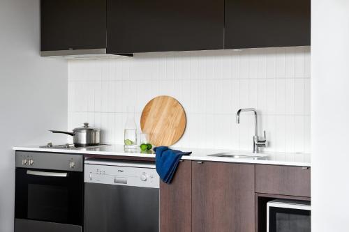 A kitchen or kitchenette at Punthill Dandenong
